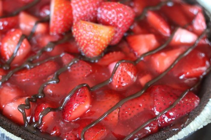 Gluten Free Chocolate Covered Strawberry Pie #glutenfree